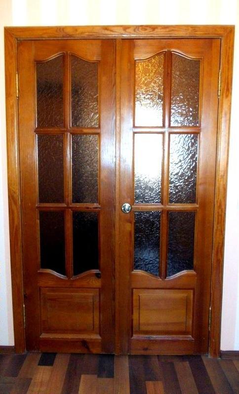 Деревянные двери на заказ в Санкт-Петербурге